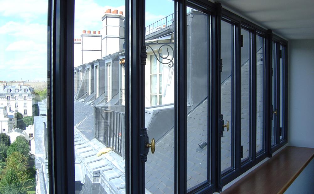 Fenêtre acier à ouvrant caché Fineline